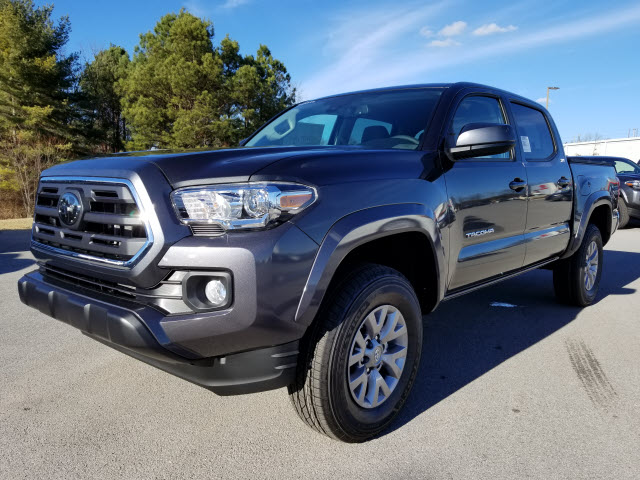New 2018 Toyota Tacoma Sr5 4x2 V6 4dr Double Cab In